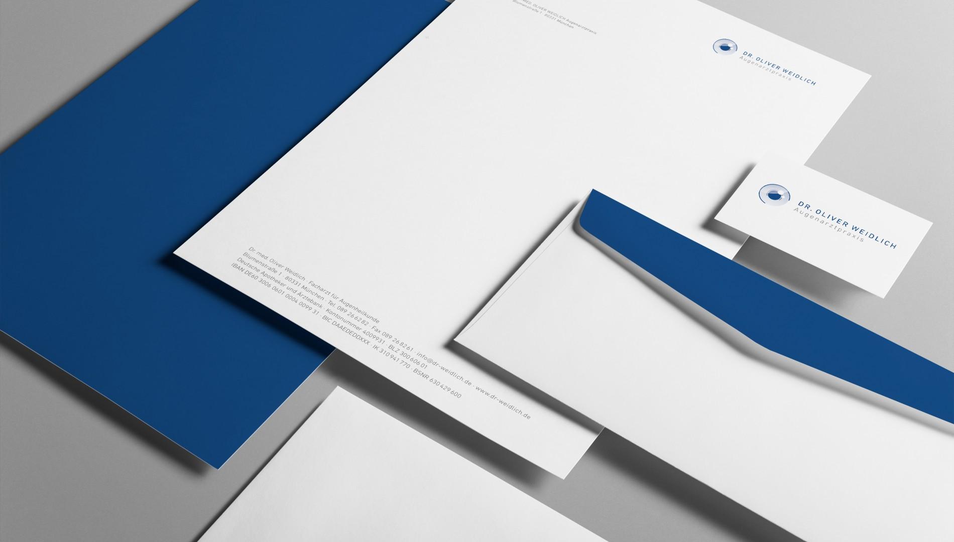 Corporate Design mit Geschäftsausstattung für die Augenarztpraxis Dr. Oliver Weidlich von der Designagentur das formt aus München